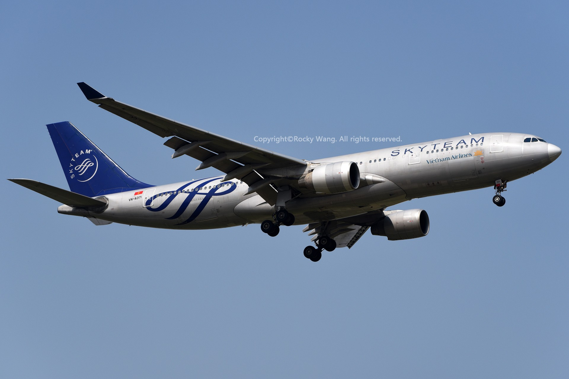 Re:[原创]A330s Around the World AIRBUS A330-223 VN-A371 中国上海浦东国际机场