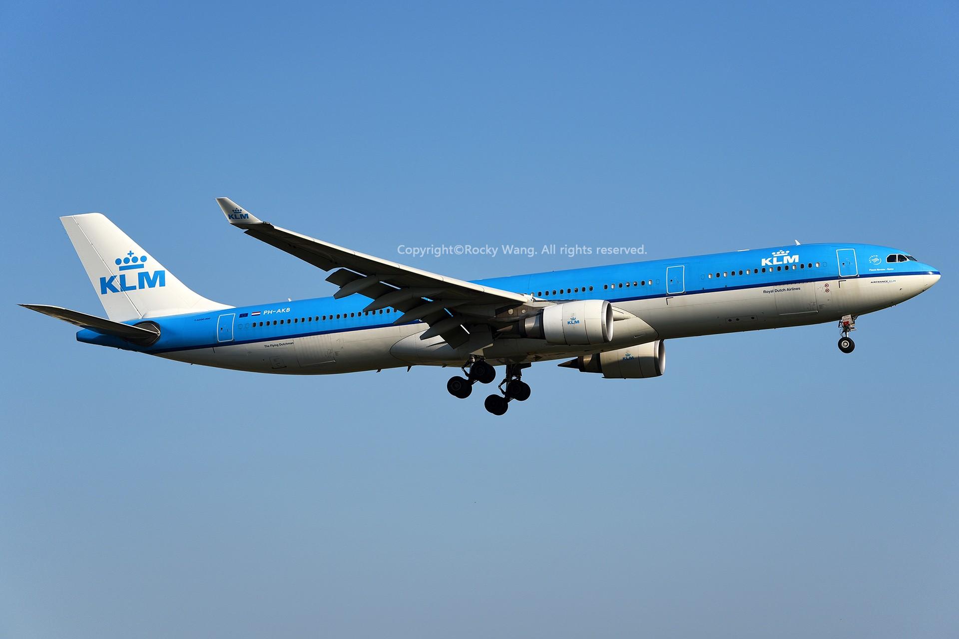 Re:[原创]A330s Around the World AIRBUS A330-303 PH-AKB 加拿大蒙特利尔特鲁多机场