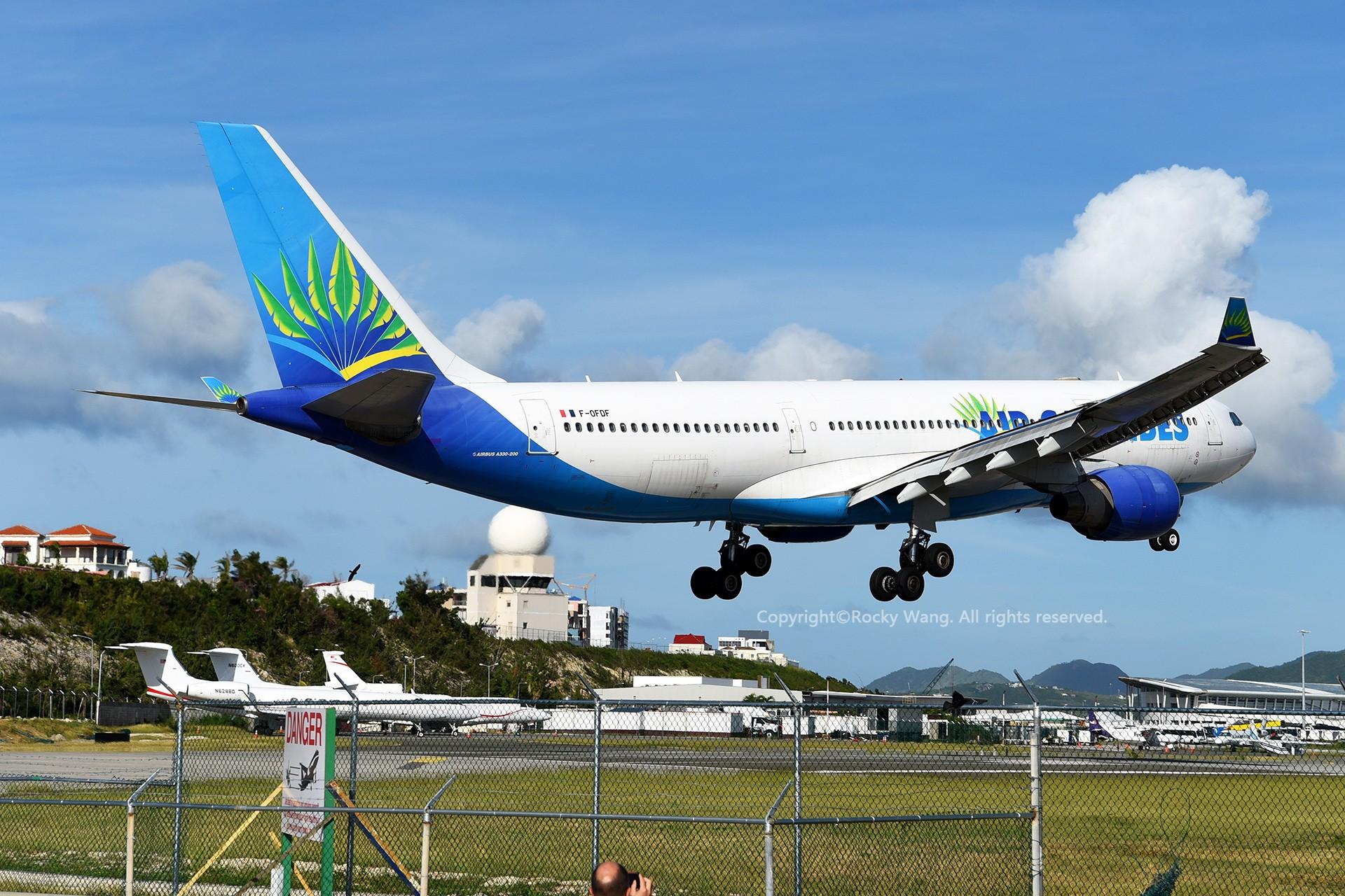 Re:[原创]A330s Around the World AIRBUS A330-223 F-OFDF 荷属安的列斯群岛朱利安娜公主机场
