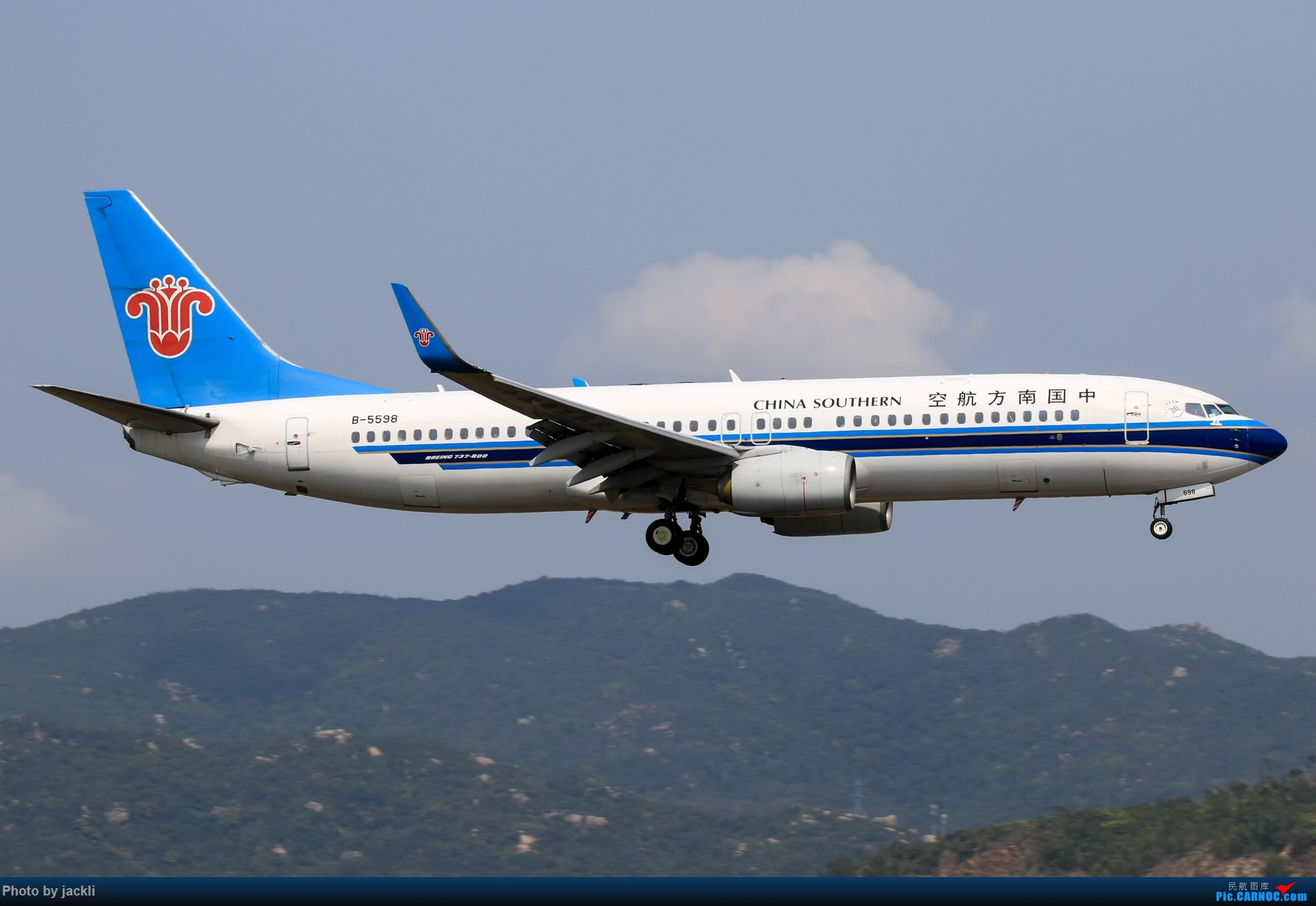 Re:[原创]【JackLi】航展之外的繁忙--近期珠海机场拍机~ BOEING 737-800 B-5598 中国珠海金湾机场