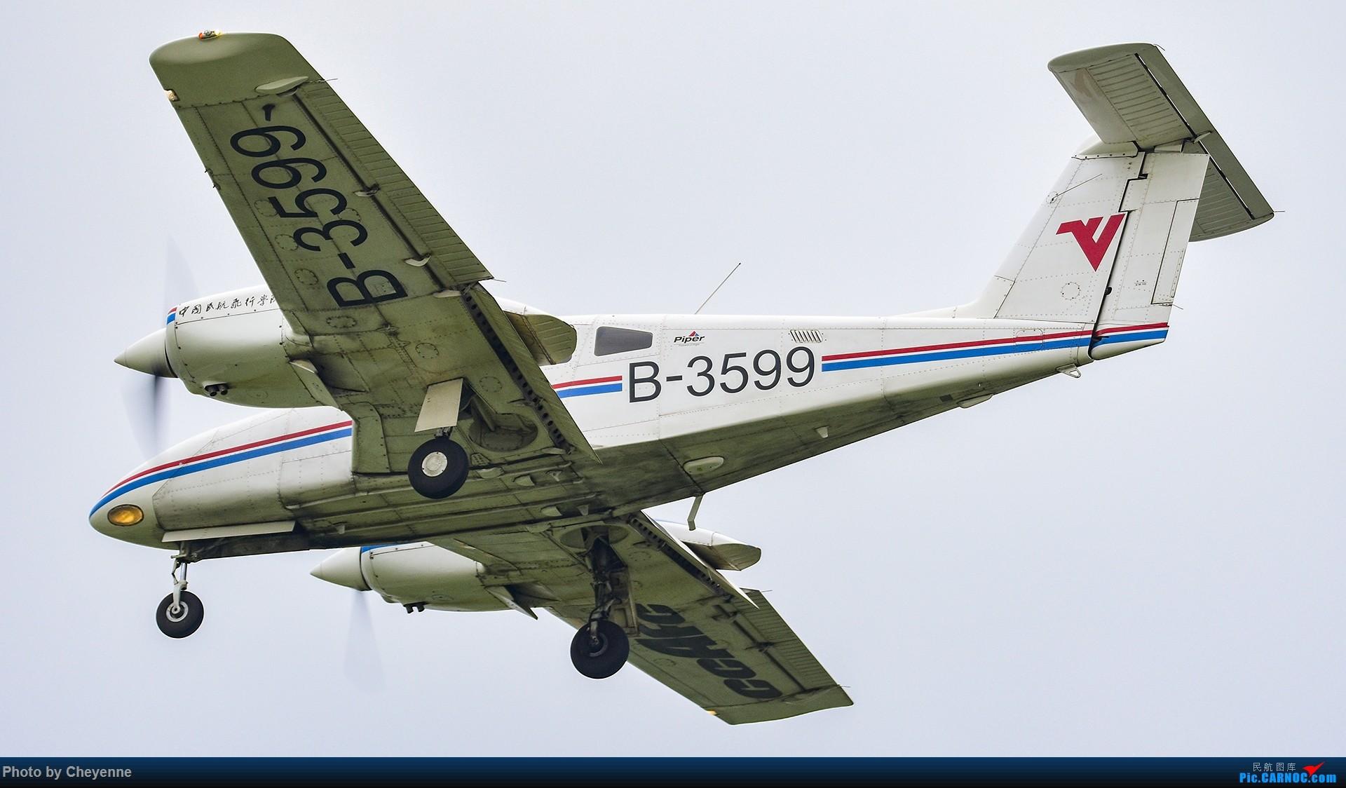 Re:[原创]鸭子河边的日常 PIPER PA-44-180 B-3599 中国广汉机场
