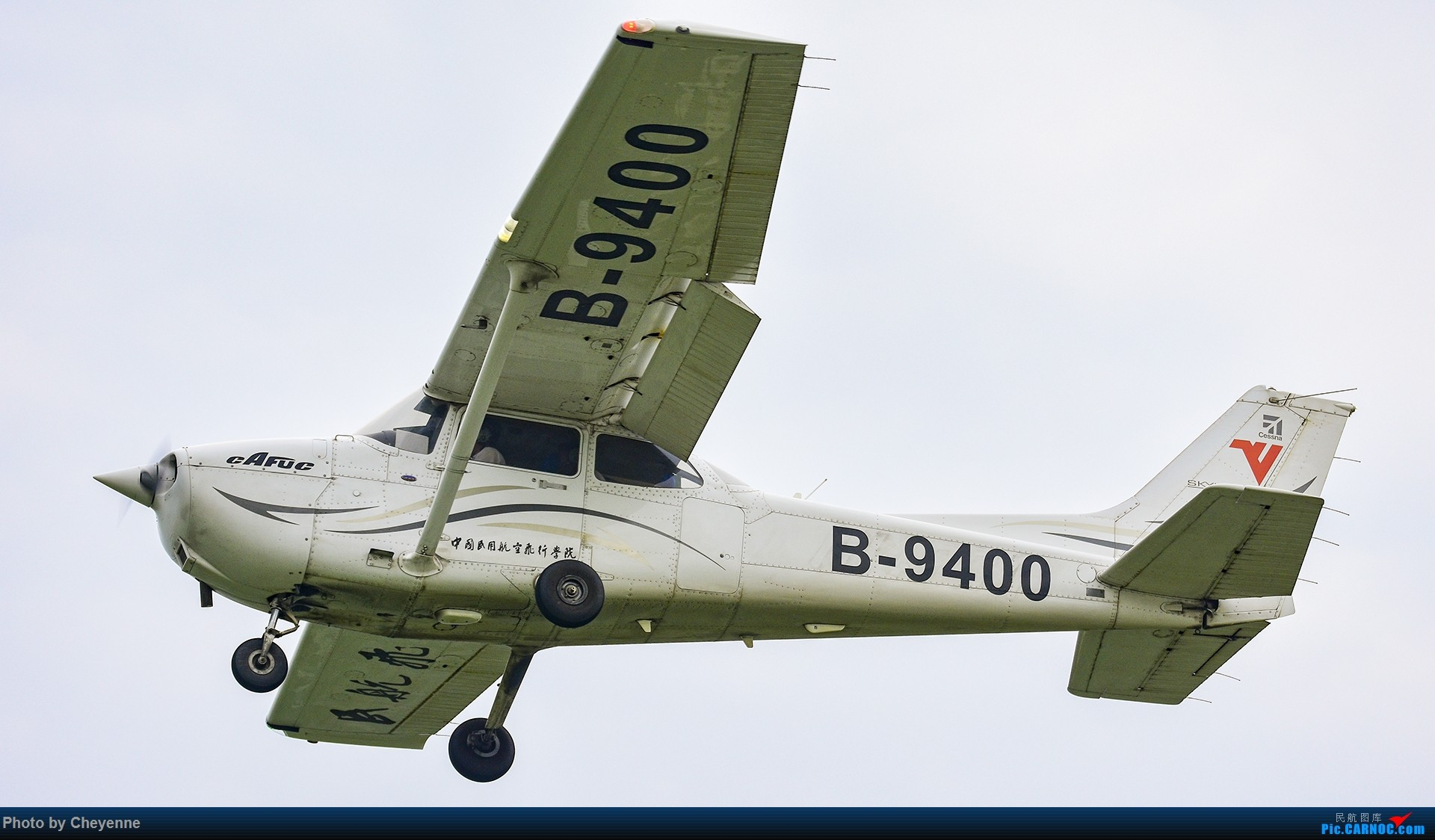 Re:[原创]鸭子河边的日常 CESSNA 172R B-9400 中国广汉机场