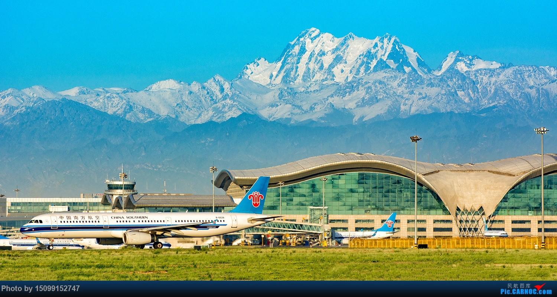 2018-5-26新疆乌鲁木齐地窝堡机场 B-6628起飞 AIRBUS A321-200 6628 乌鲁木齐