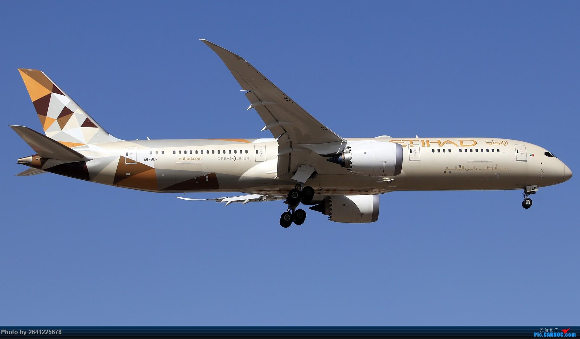 [原创]【测评】腾龙70-210mm F/4 (A034)试拍 BOEING 787-9 A6-BLP 中国北京首都国际机场
