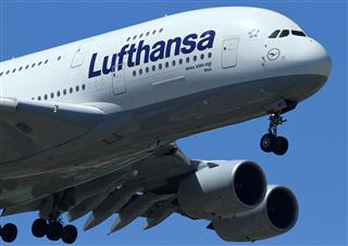 Re:近进中的汉莎航空Airbus A380-800,D-AIMG特写。