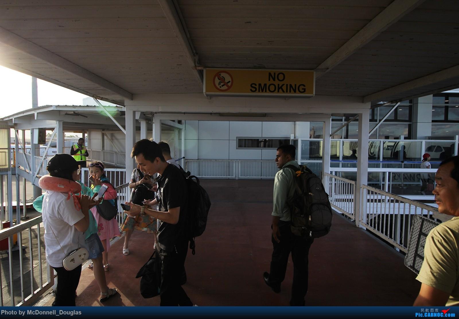 Re:[原创]【上海飞友会】【zc带你游天下(5)】起意只因一时冲动,飞过赤道去避暑,领略南太平洋别样的风光    斐济南迪机场