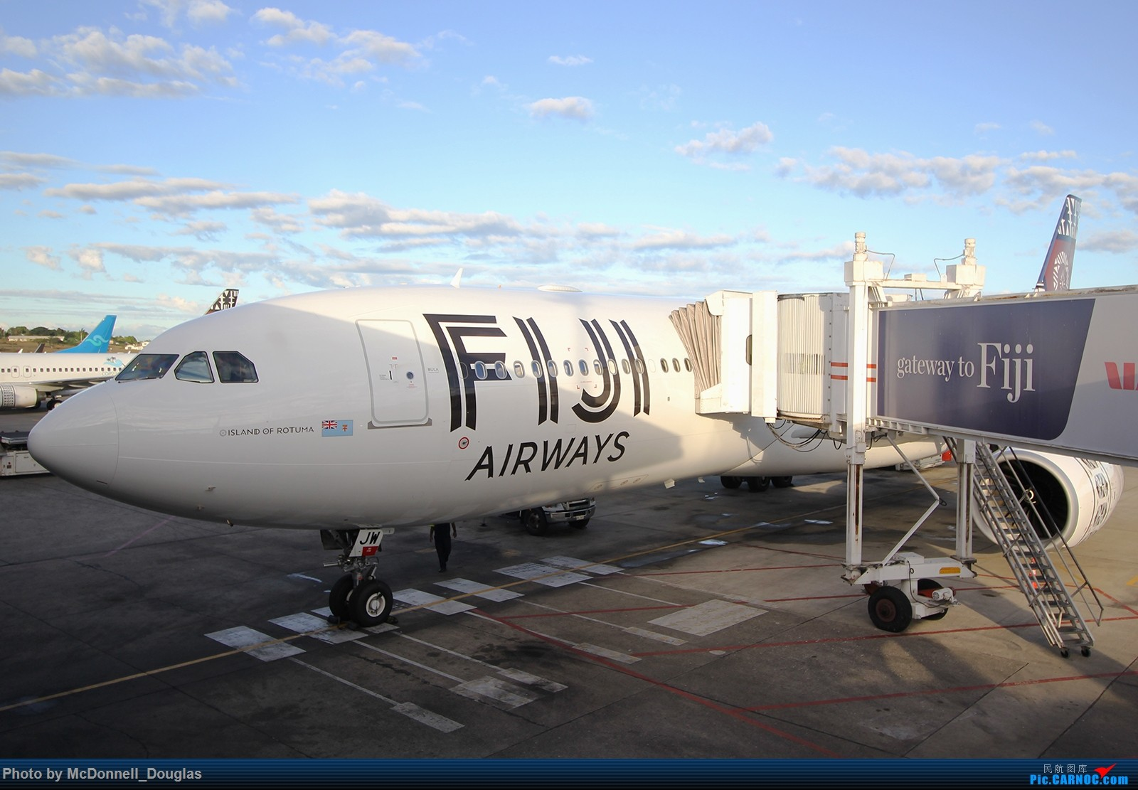 Re:[原创]【上海飞友会】【zc带你游天下(5)】起意只因一时冲动,飞过赤道去避暑,领略南太平洋别样的风光 AIRBUS A330-343 DQ-FJW 斐济南迪机场