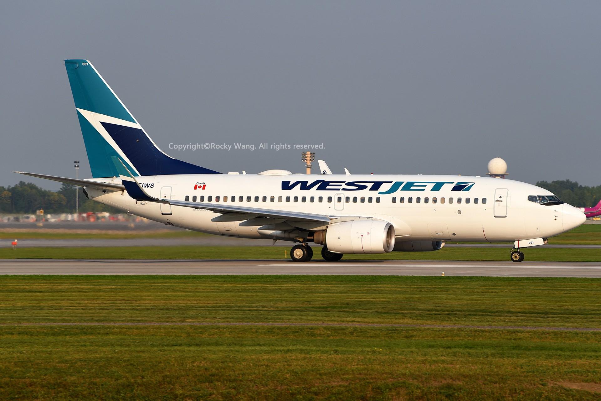 Re:[原创]窄体连连看 BOEING 737-7CT C-FIWS 加拿大蒙特利尔特鲁多机场
