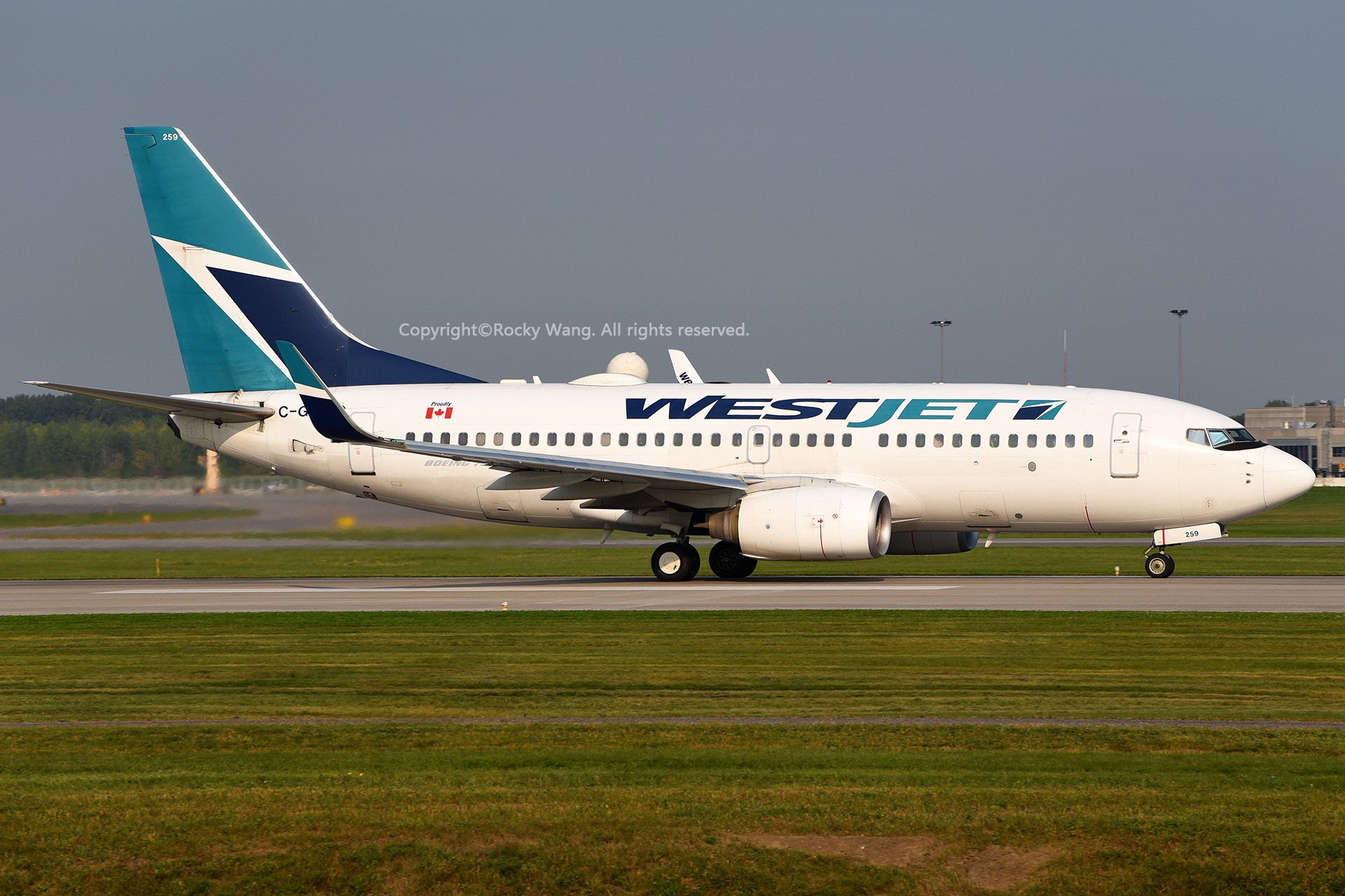 Re:[原创]窄体连连看 BOEING 737-7CT C-GWSQ 加拿大蒙特利尔特鲁多机场