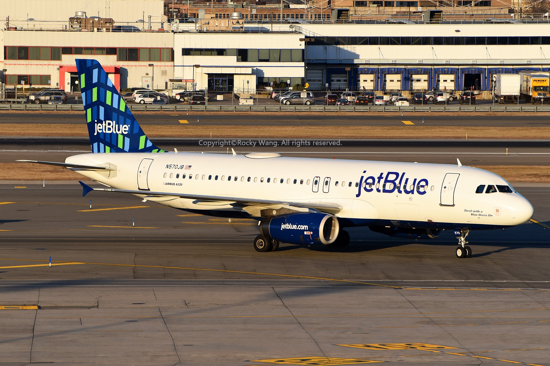 Re:[原创]窄体连连看 AIRBUS A320-232 N570JB 美国纽约约翰·菲茨杰拉德·肯尼迪国际机场