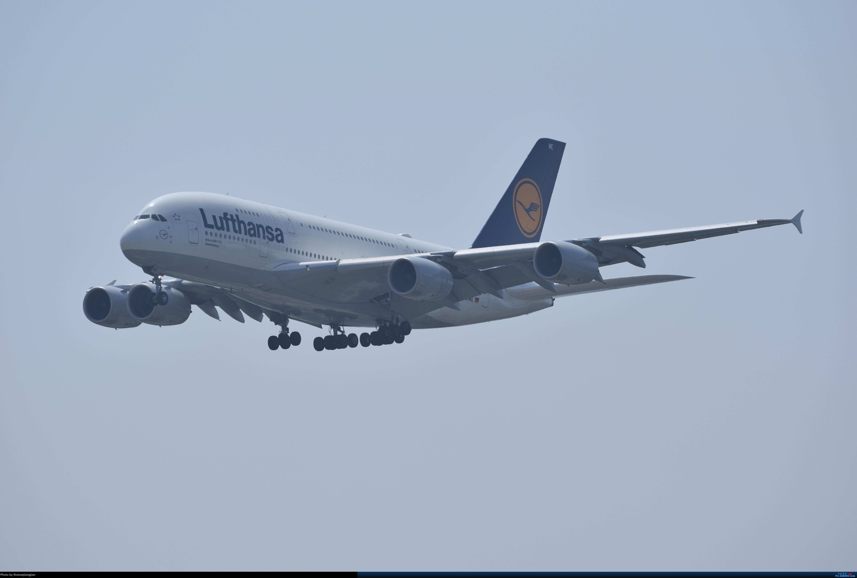 Re:[原创]华航天合联盟涂装747光临北京首都机场 AIRBUS A380