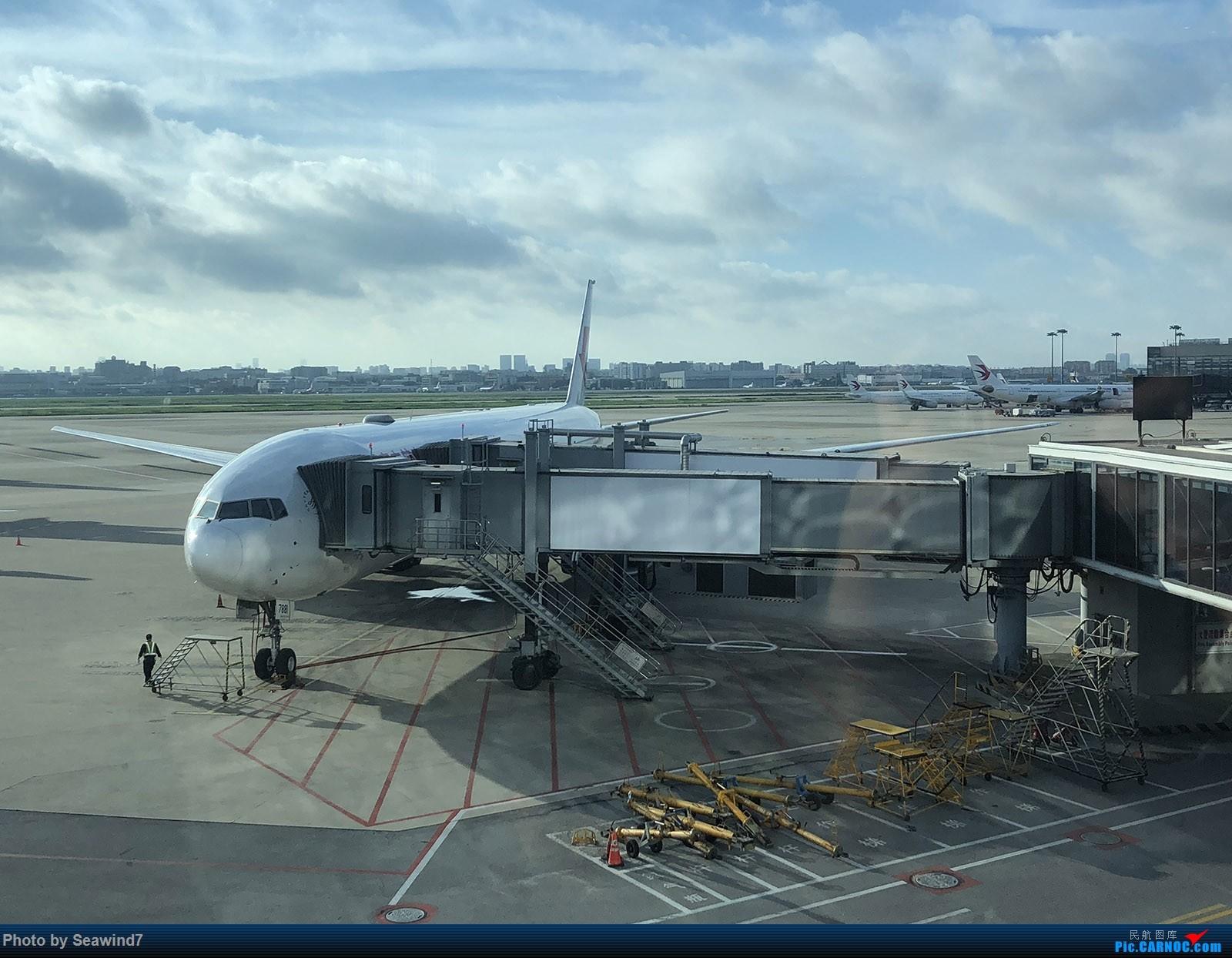 Re:东航第一架字母机/第二架320neo乘坐记 BOEING 777-300ER B-7881 中国上海虹桥国际机场