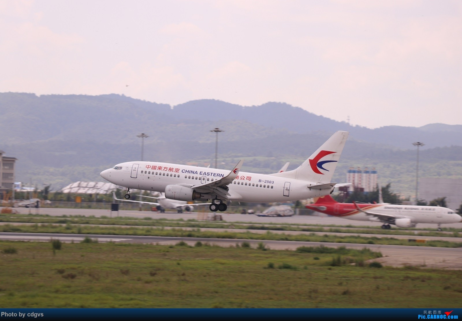 Re:[原创]【KMG】昆明的一天 1600大图 一次看个爽 BOEING 737-700 B-2503 中国昆明长水国际机场