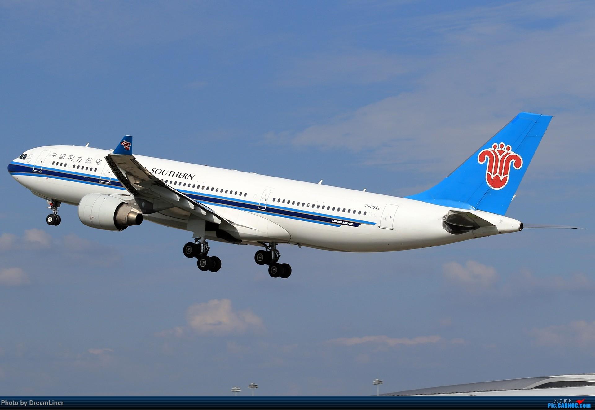 Re:[原创]【CAN】又是诱人的蓝天 AIRBUS A330-200 B-6542 中国广州白云国际机场