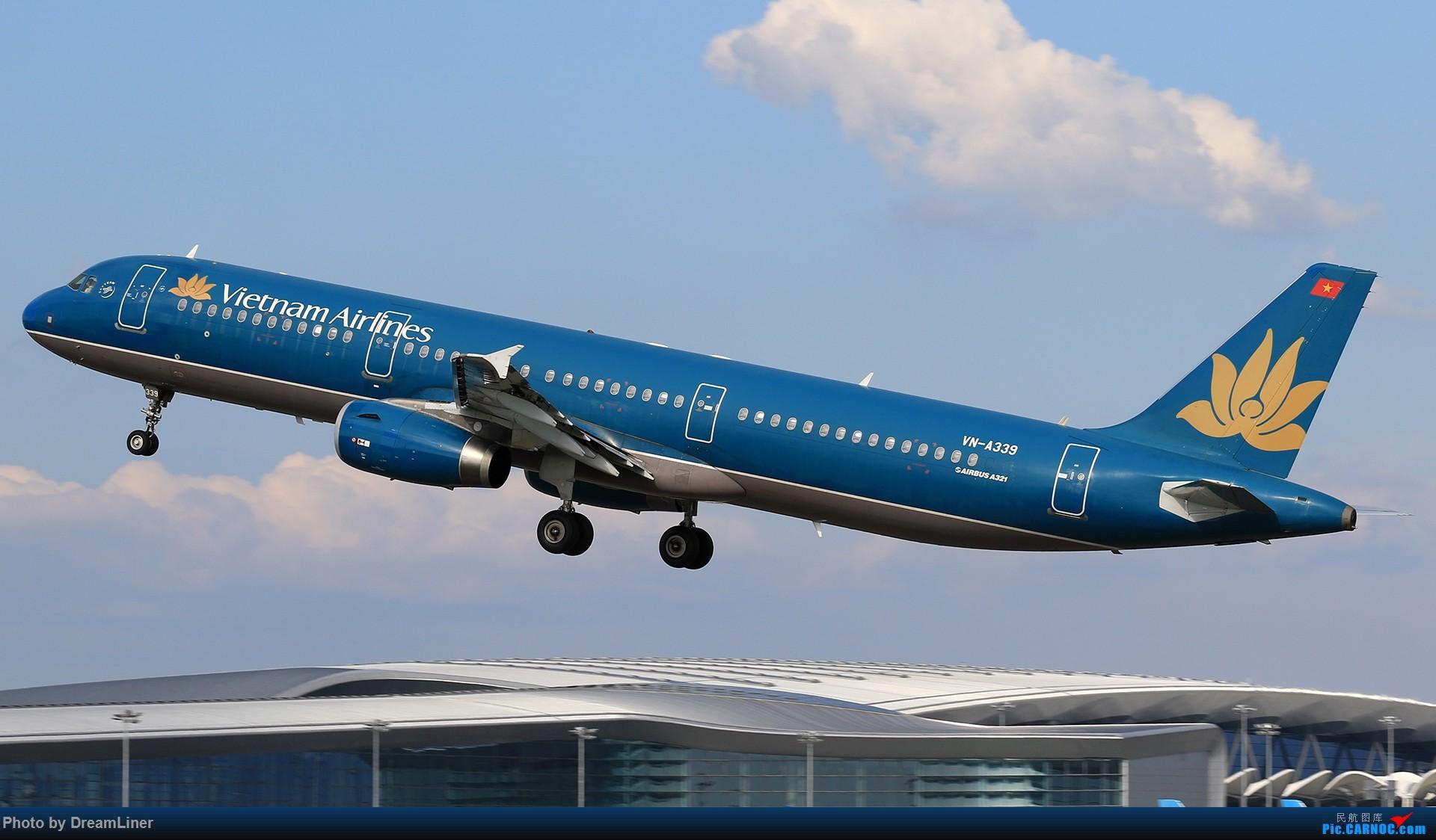Re:[原创]【CAN】又是诱人的蓝天 AIRBUS A321 VN-A339 中国广州白云国际机场