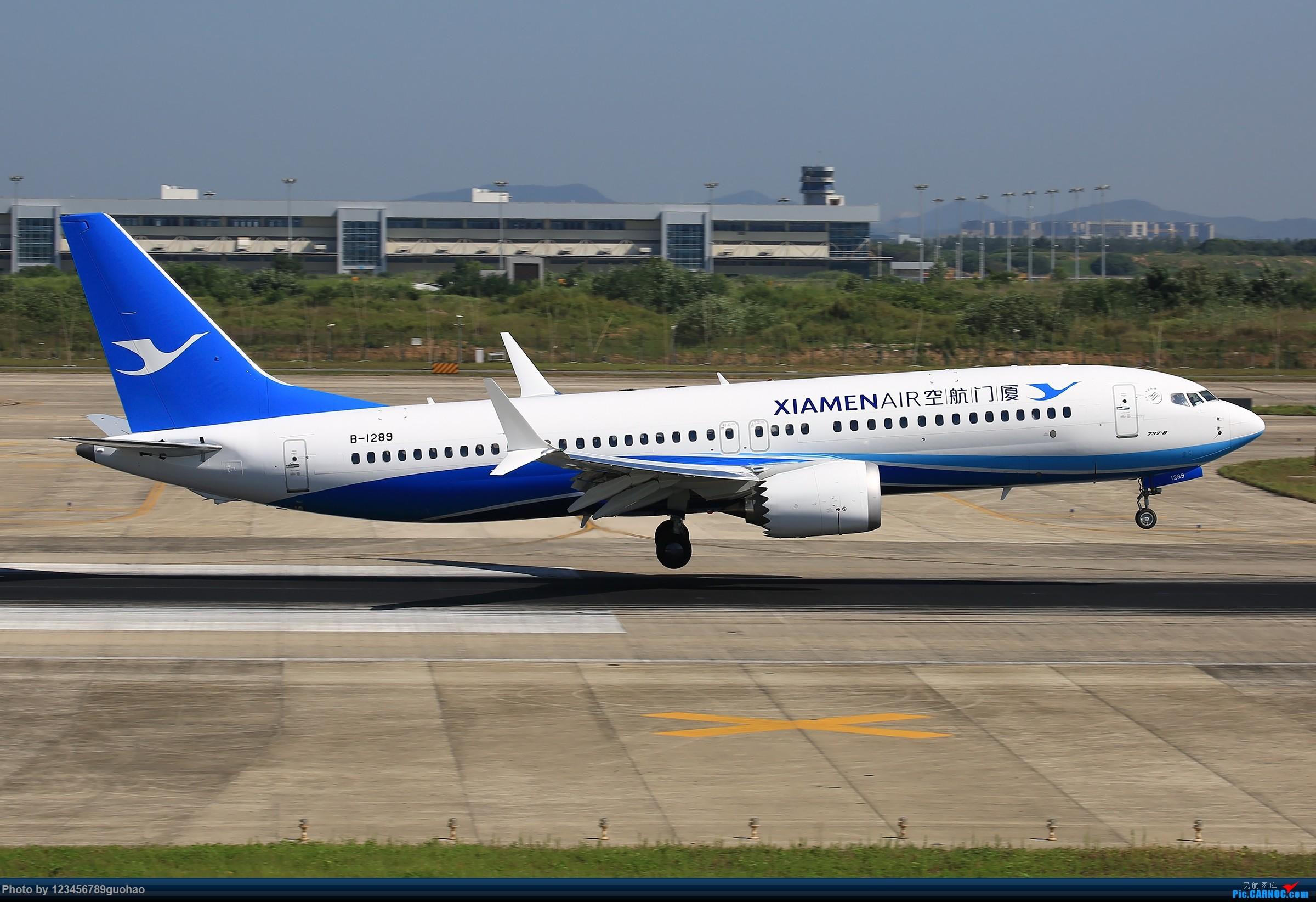 Re:[原创]冒个泡儿,撸俩MAX BOEING 737MAX-8 B-1289 中国南京禄口国际机场