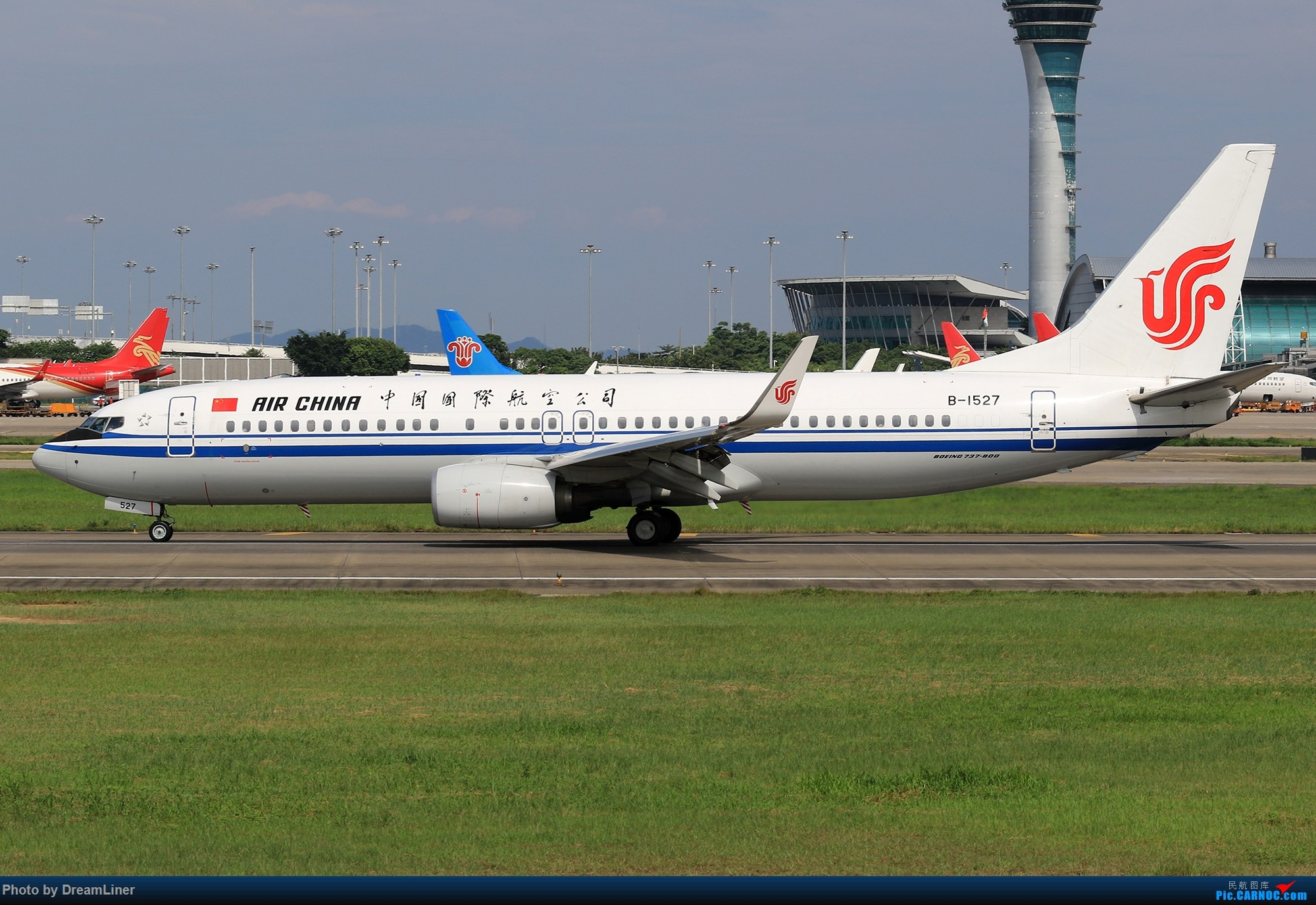 Re:[原创]【CAN】又是诱人的蓝天 BOEING 737-800 B-1527 中国广州白云国际机场