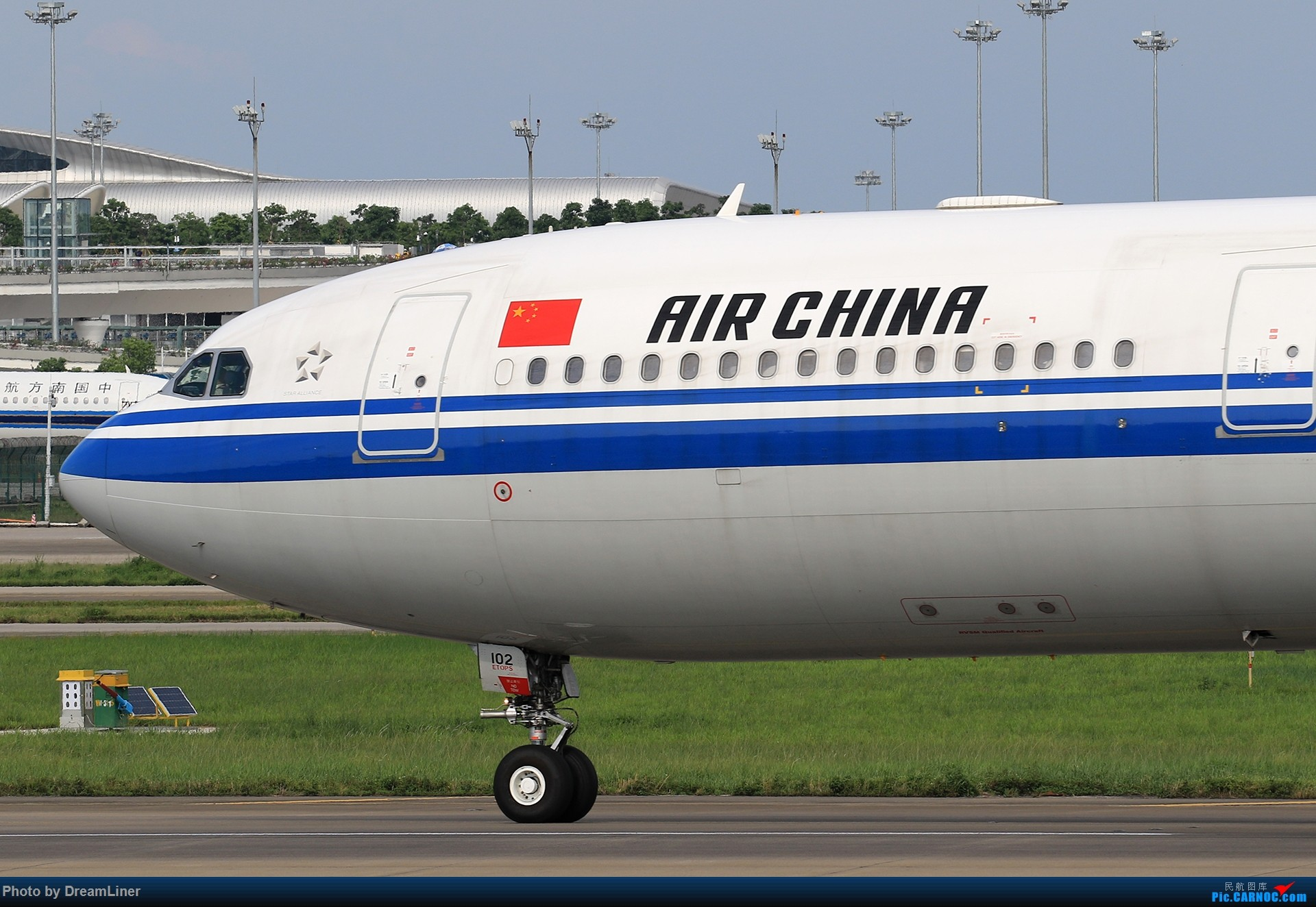 Re:[原创]【CAN】又是诱人的蓝天 AIRBUS A330-300 B-6102 中国广州白云国际机场