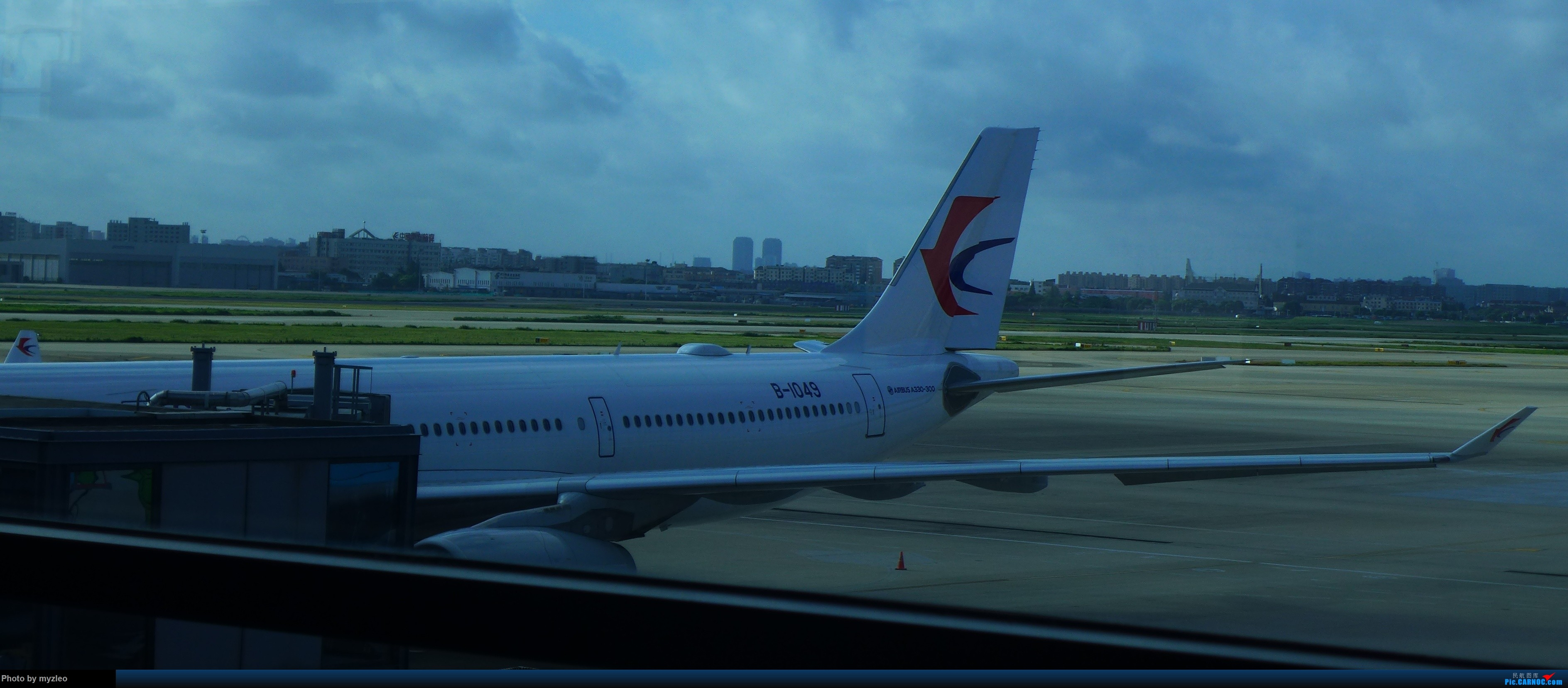 Re:[原创]【myzleo的游记2.1】昆洱风光(1)——SHA-KMG上航商务舱再体验+人在昆明 AIRBUS A330-300 B-1049 中国上海虹桥国际机场