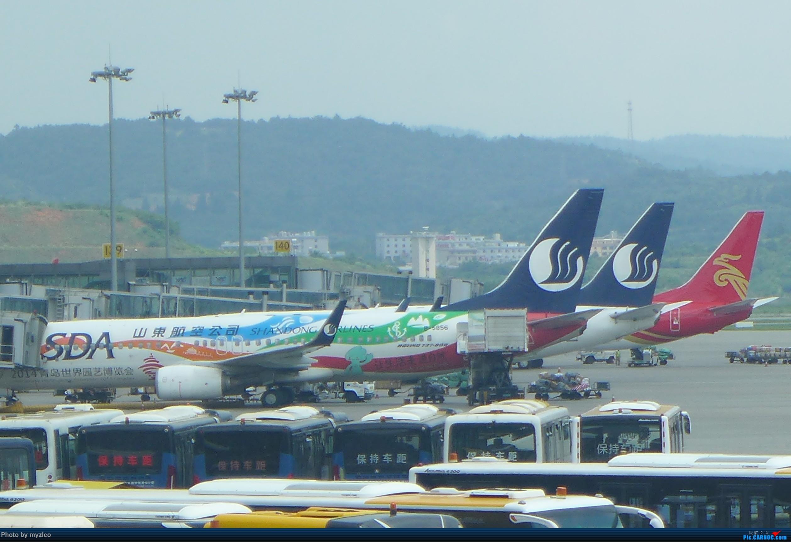 Re:[原创]【myzleo的游记2.1】昆洱风光(1)——SHA-KMG上航商务舱再体验+人在昆明 BOEING 737-800 B-5856 中国昆明长水国际机场