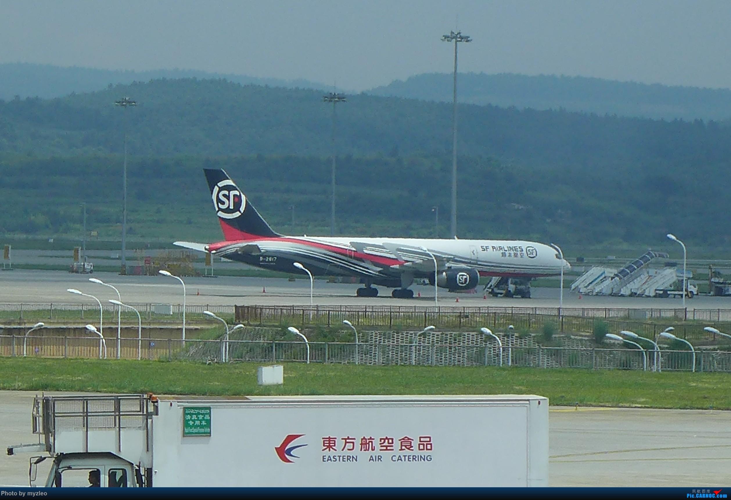 Re:[原创]【myzleo的游记2.1】昆洱风光(1)——SHA-KMG上航商务舱再体验+人在昆明 BOEING 757-200 B-2817 中国昆明长水国际机场