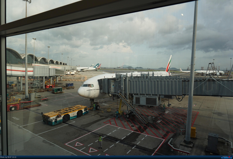 Re:[原创]骚年飞行篇~CX390 HKG-PEK 十一次乘坐77W ,第一次体验国泰航空,体验五星航空的云端服务,比较开心的行程 BOEING 777-300ER A6-EBJ 中国香港国际机场