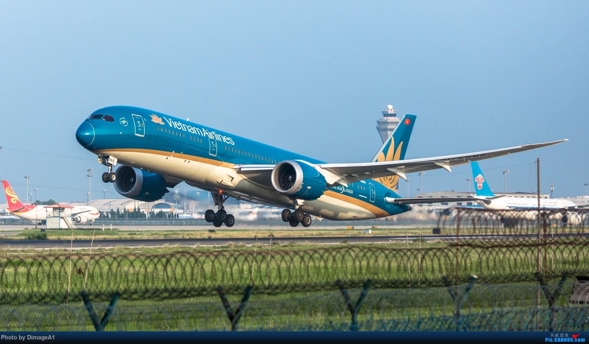 越南航空789 BOEING 787-9 A865 中国北京首都国际机场