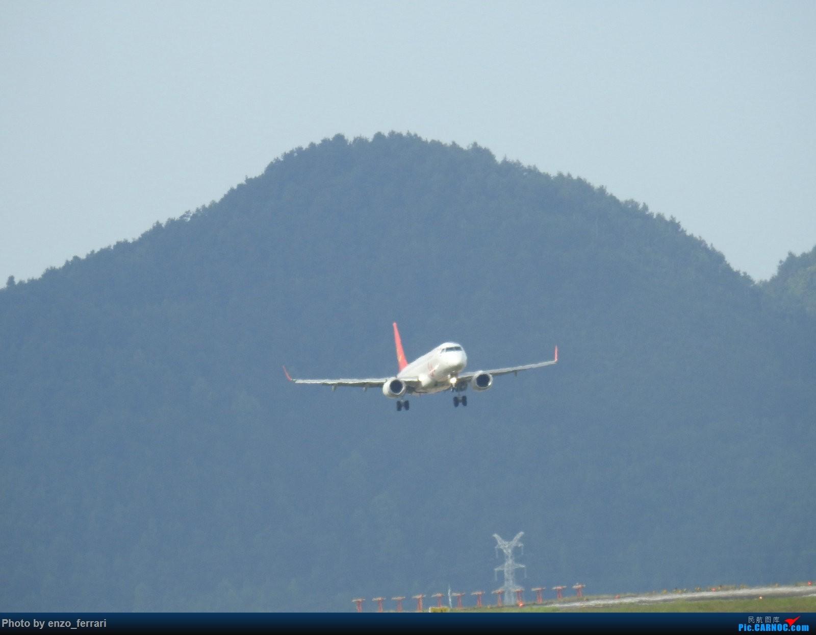 Re:[原创]【KWE】贵阳龙洞堡机场继续找位置拍飞机 EMBRAER E-190 B-3186 中国贵阳龙洞堡国际机场