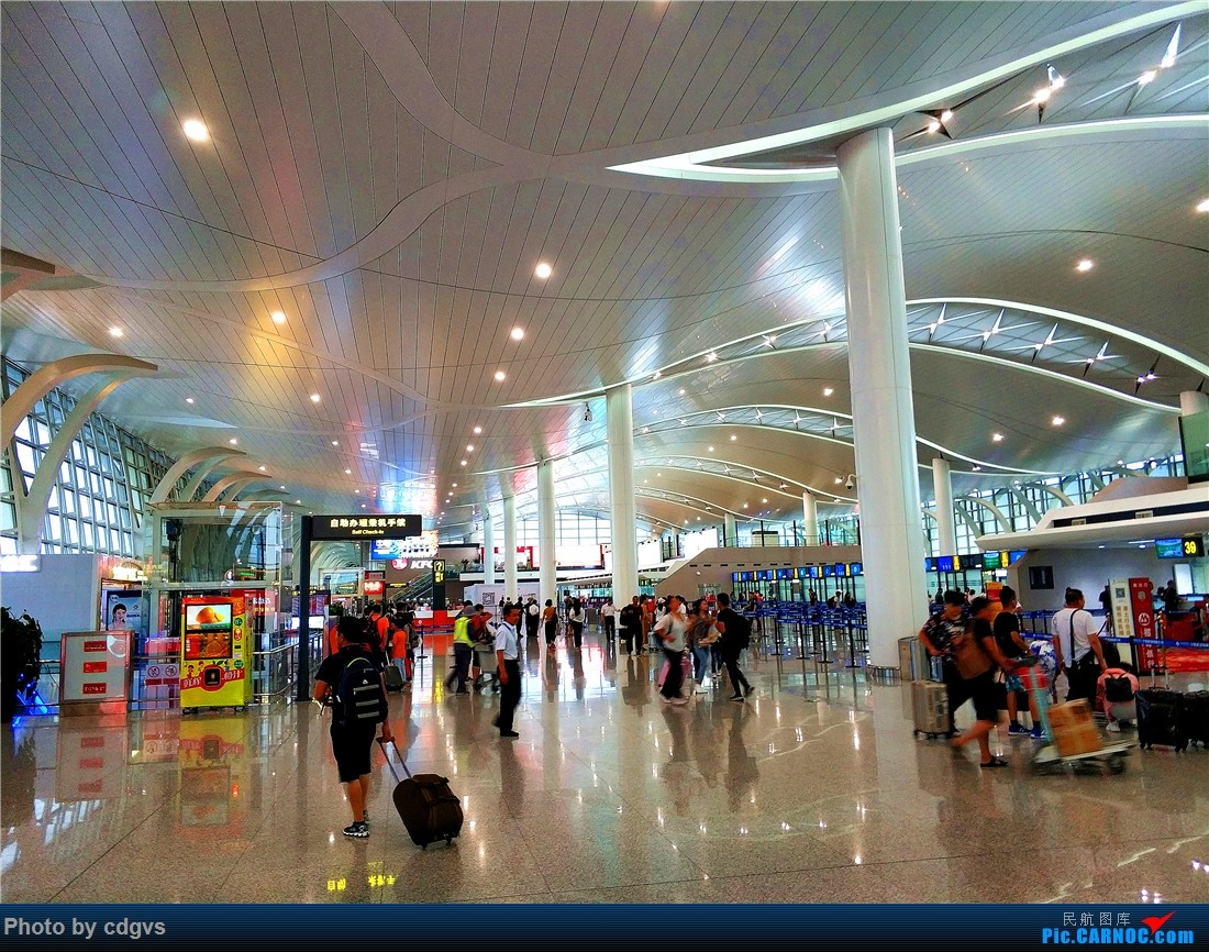 [原创]成都航空初体验,INC-LJG-JHG 很愉快的一次飞行    中国银川河东国际机场