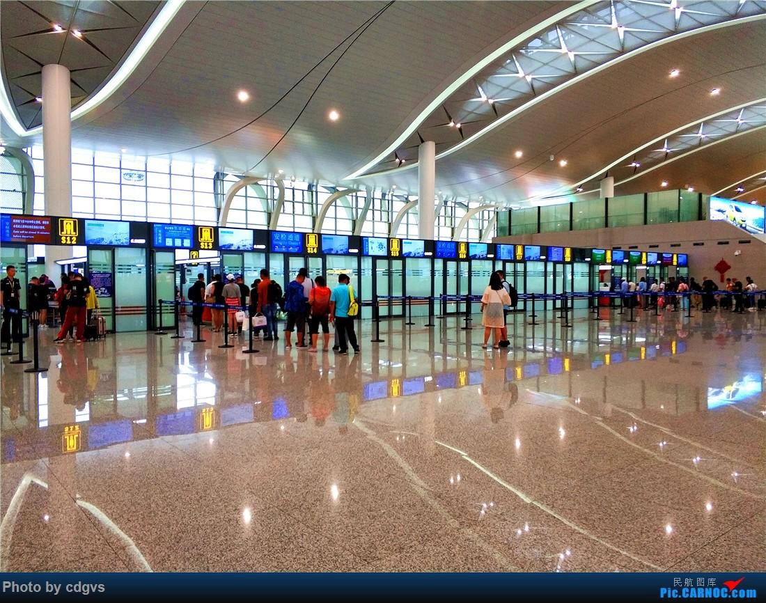 Re:[原创]成都航空初体验,INC-LJG-JHG 很愉快的一次飞行    中国银川河东国际机场