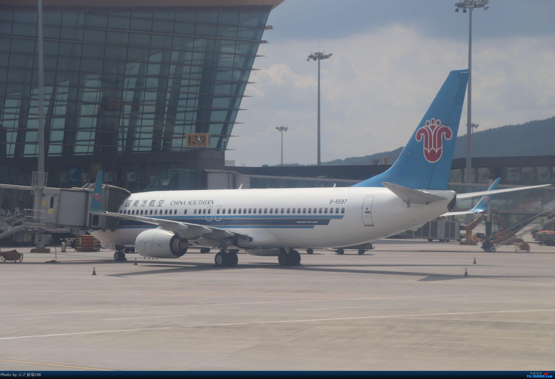 Re:[原创]-------------走进彩云之南,八天云南游,意外,再送杭州半日游--------- BOEING 737-800 B-5597 中国昆明长水国际机场