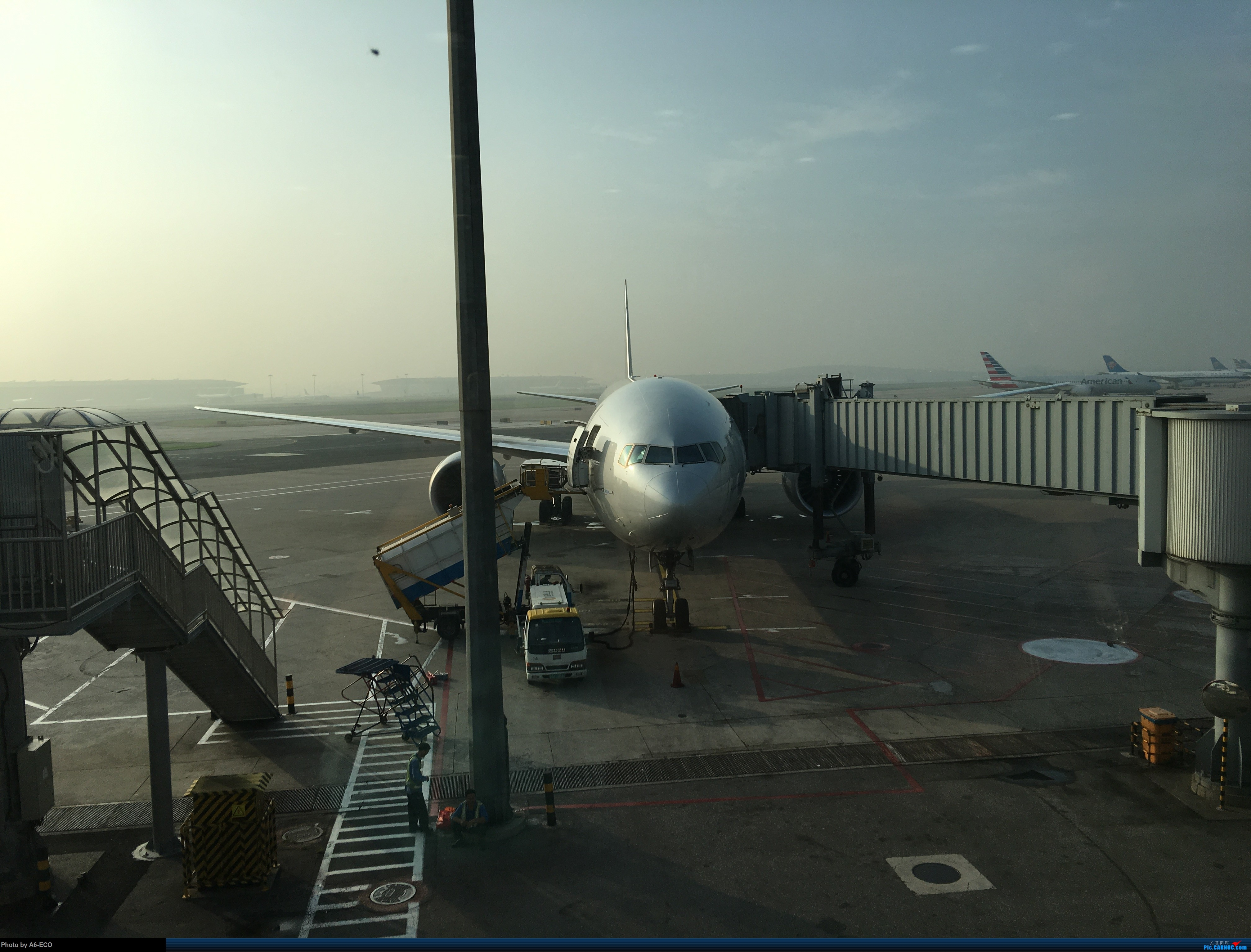 Re:[原创]海鲜航305航班+hxg拍机+香港推荐美食+回程海鲜航 BOEING 777-300ER F-GZNE 中国北京首都国际机场