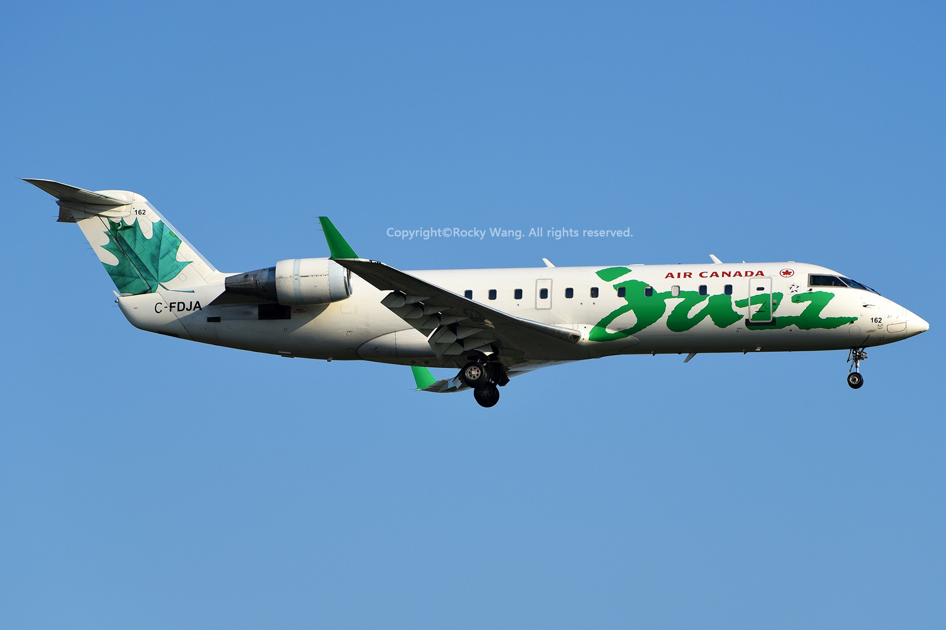 Re:[原创]CYUL 30图 BOMBARDIER CRJ-200ER C-FDJA Montreal Pierre Elliott Trudeau Int'l Ai