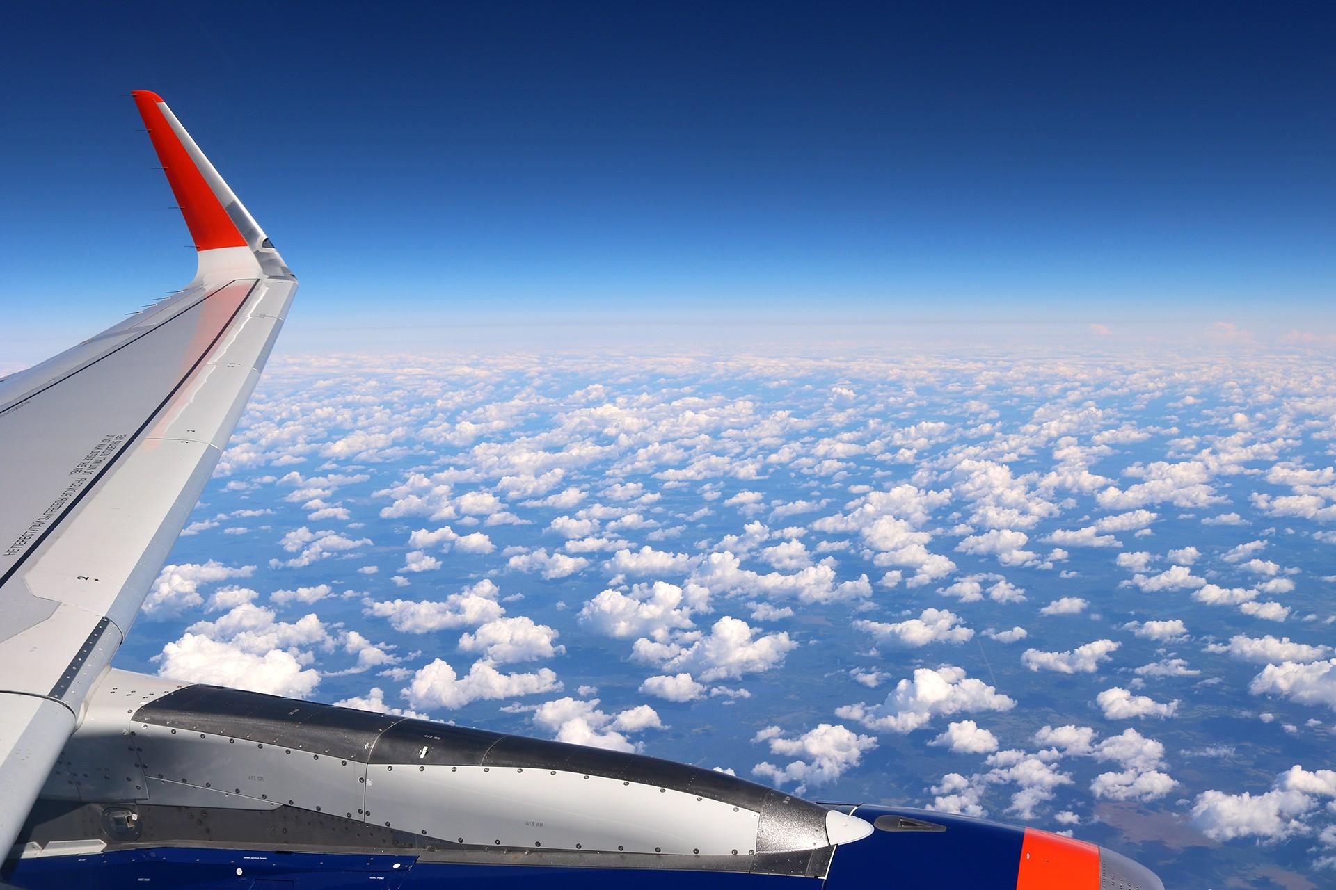 [原创]LIULIU|一天两种机型三个国家四段航线五座城市的回家之路|西伯利亚上空的星光