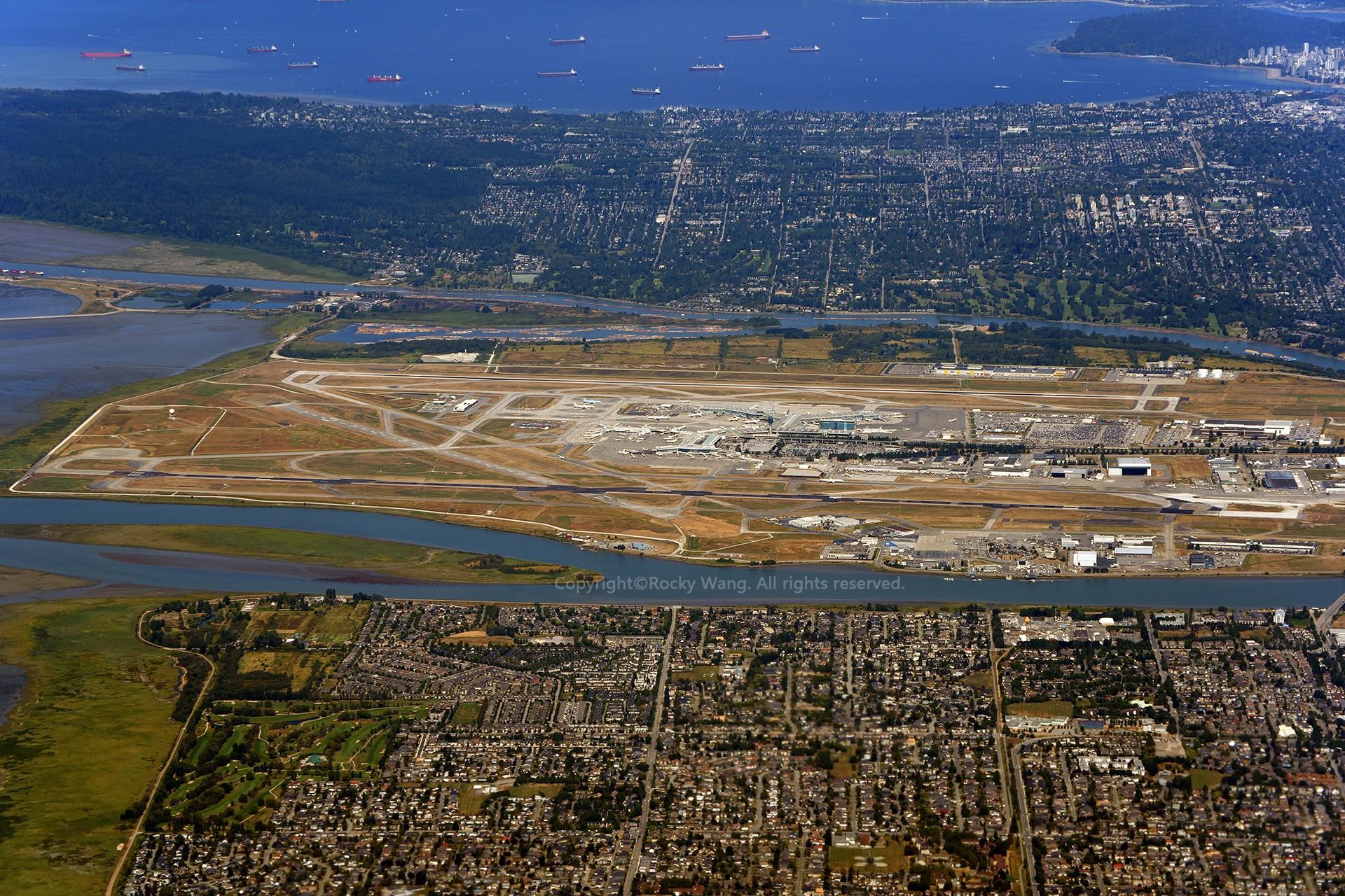 Re:[原创]简易版游记,纪念一次30段的环球飞行和一些碎碎念    加拿大温哥华机场