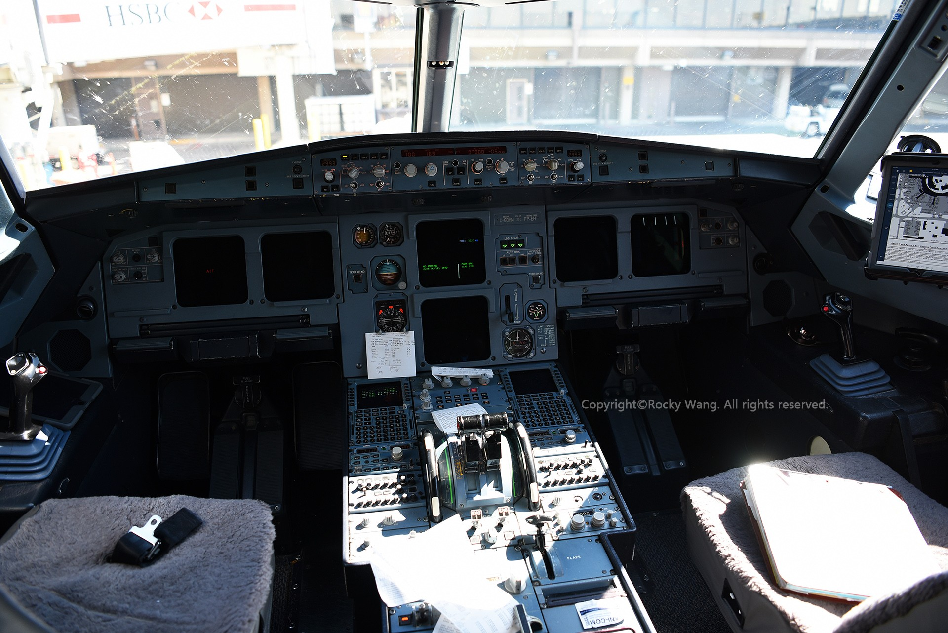 Re:[原创]简易版游记,纪念一次30段的环球飞行和一些碎碎念 AIRBUS A319-114 C-GBHM Calgary Int'l Airport