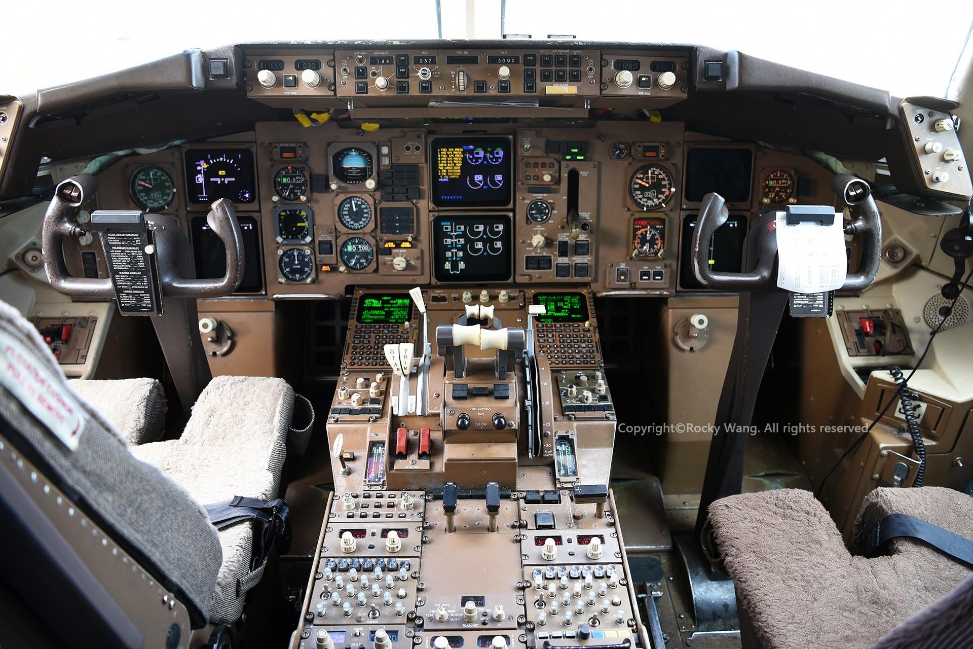 Re:[原创]简易版游记,纪念一次30段的环球飞行和一些碎碎念 BOEING 767-375(ER) C-FCAE Toronto Lester B. Pearson Int'l Airport