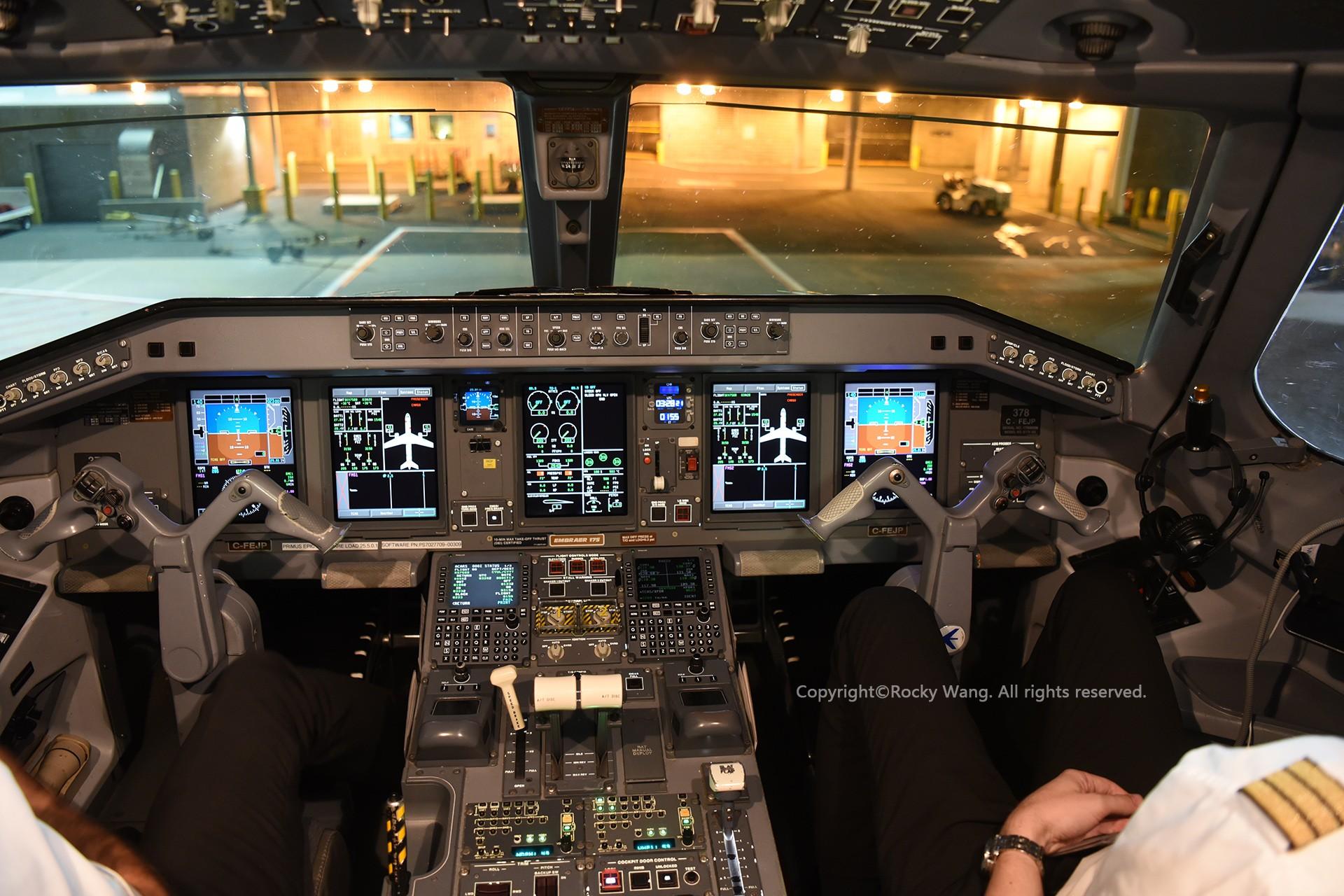 Re:[原创]简易版游记,纪念一次30段的环球飞行和一些碎碎念 EMBRAER 170-200SU C-FEJP St. John's Airport