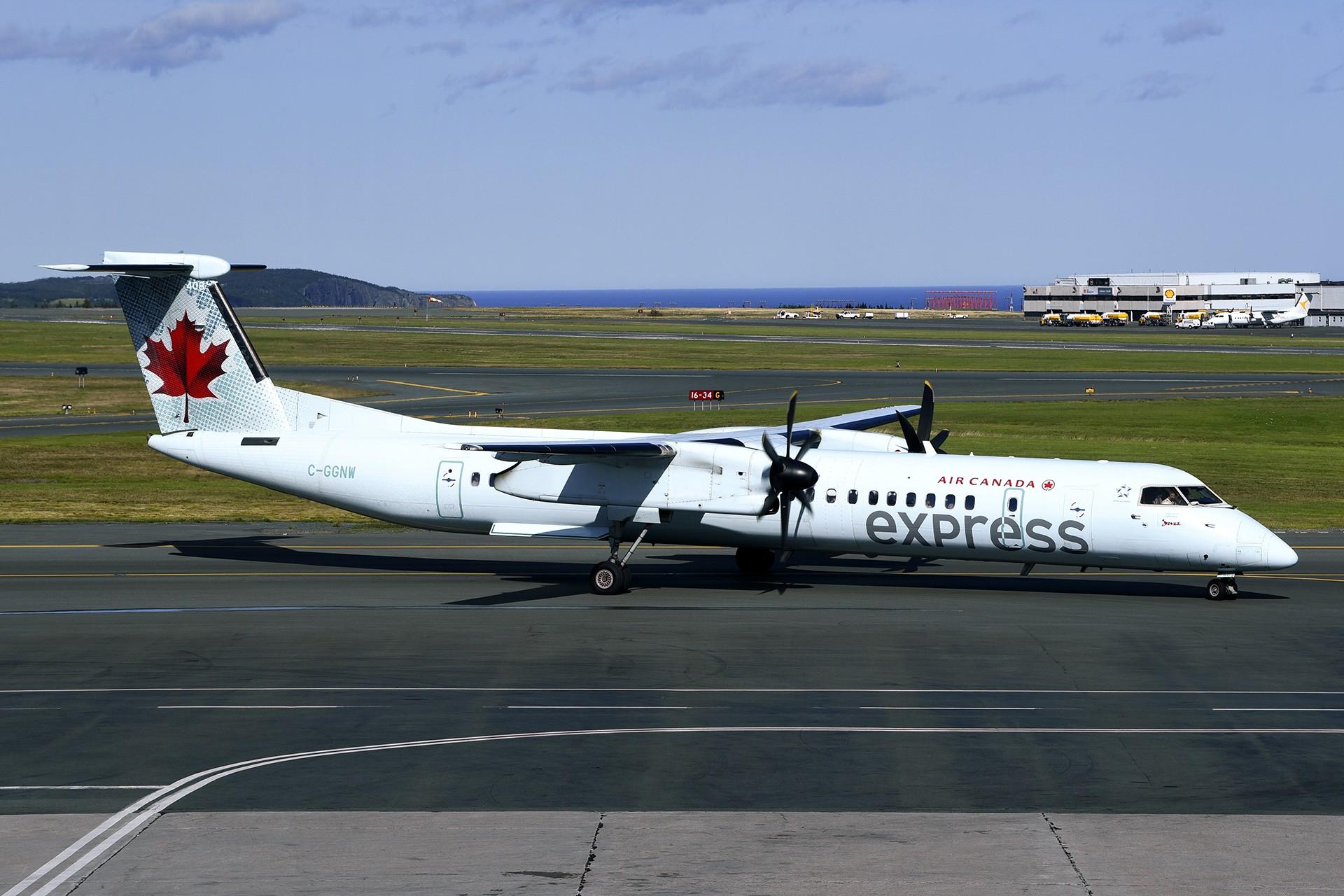 Re:[原创]简易版游记,纪念一次30段的环球飞行和一些碎碎念 BOMBARDIER DASH 8-Q402 C-GGNW St. John's Airport
