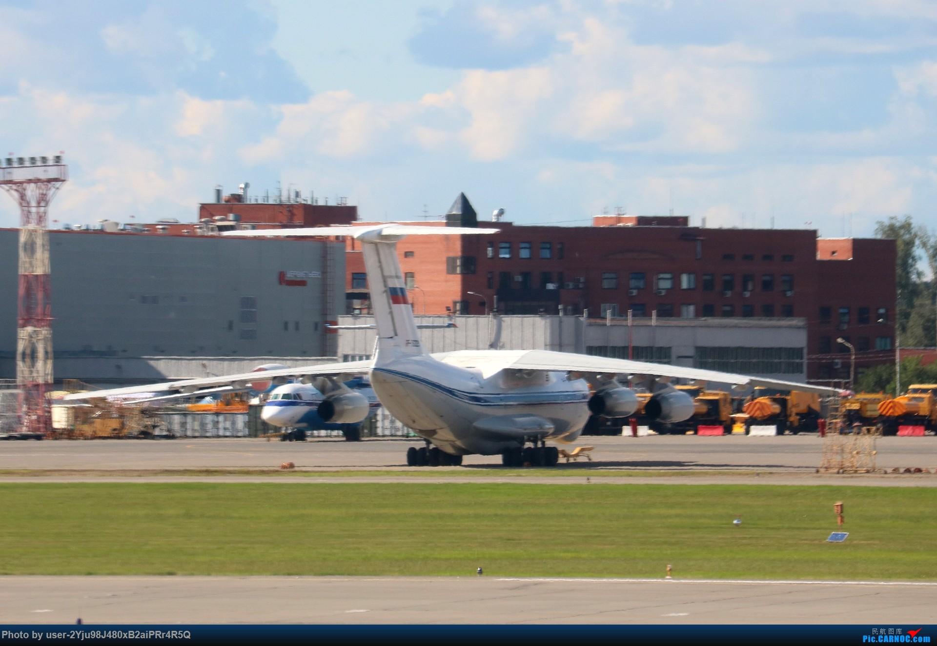 Re:[原创]LIULIU|一天两种机型三个国家四段航线五座城市的回家之路|西伯利亚上空的星光 ILYUSHIN IL-76  俄罗斯谢诺梅杰沃机场