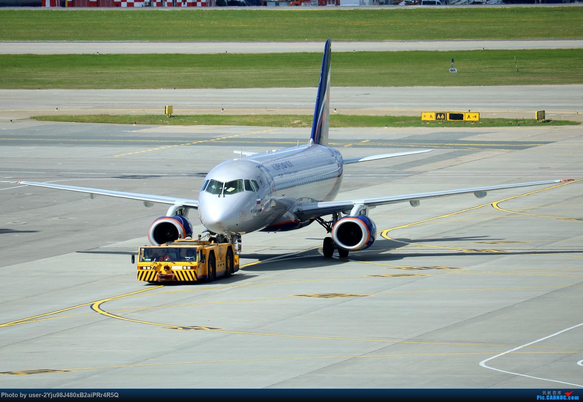 Re:LIULIU|一天两种机型三个国家四段航线五座城市的回家之路|西伯利亚上空的星光 SSJ-100  俄罗斯谢诺梅杰沃机场
