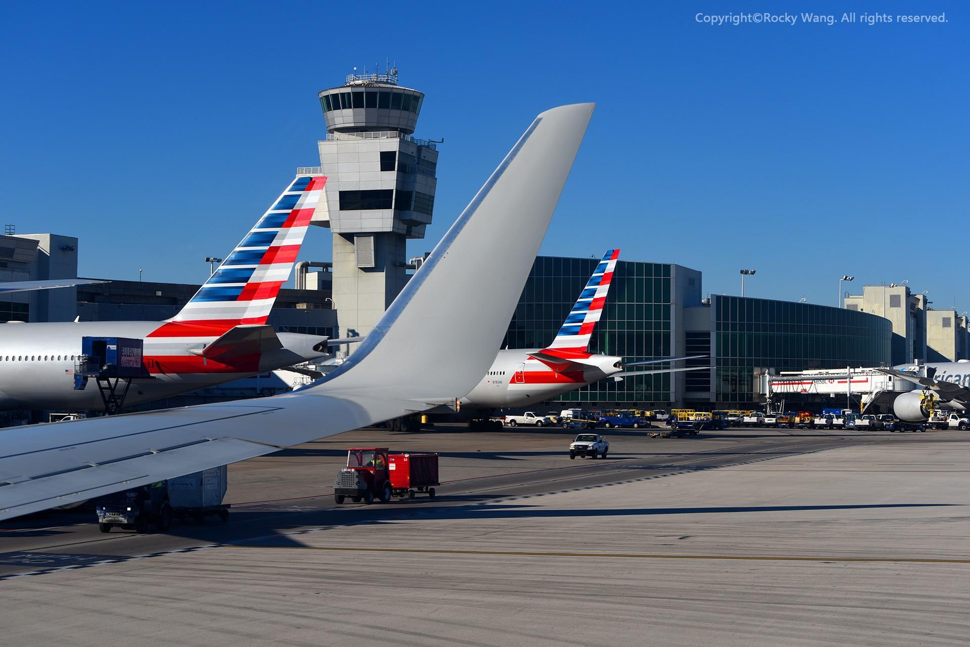 Re:[原创]简易版游记,纪念一次30段的环球飞行和一些碎碎念 BOEING 737-823 N876NN Miami Int'l Airport