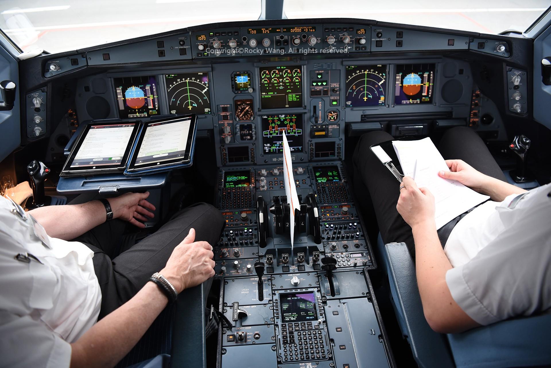 Re:[原创]简易版游记,纪念一次30段的环球飞行和一些碎碎念 AIRBUS A340-313 HB-JMB 中国上海浦东国际机场