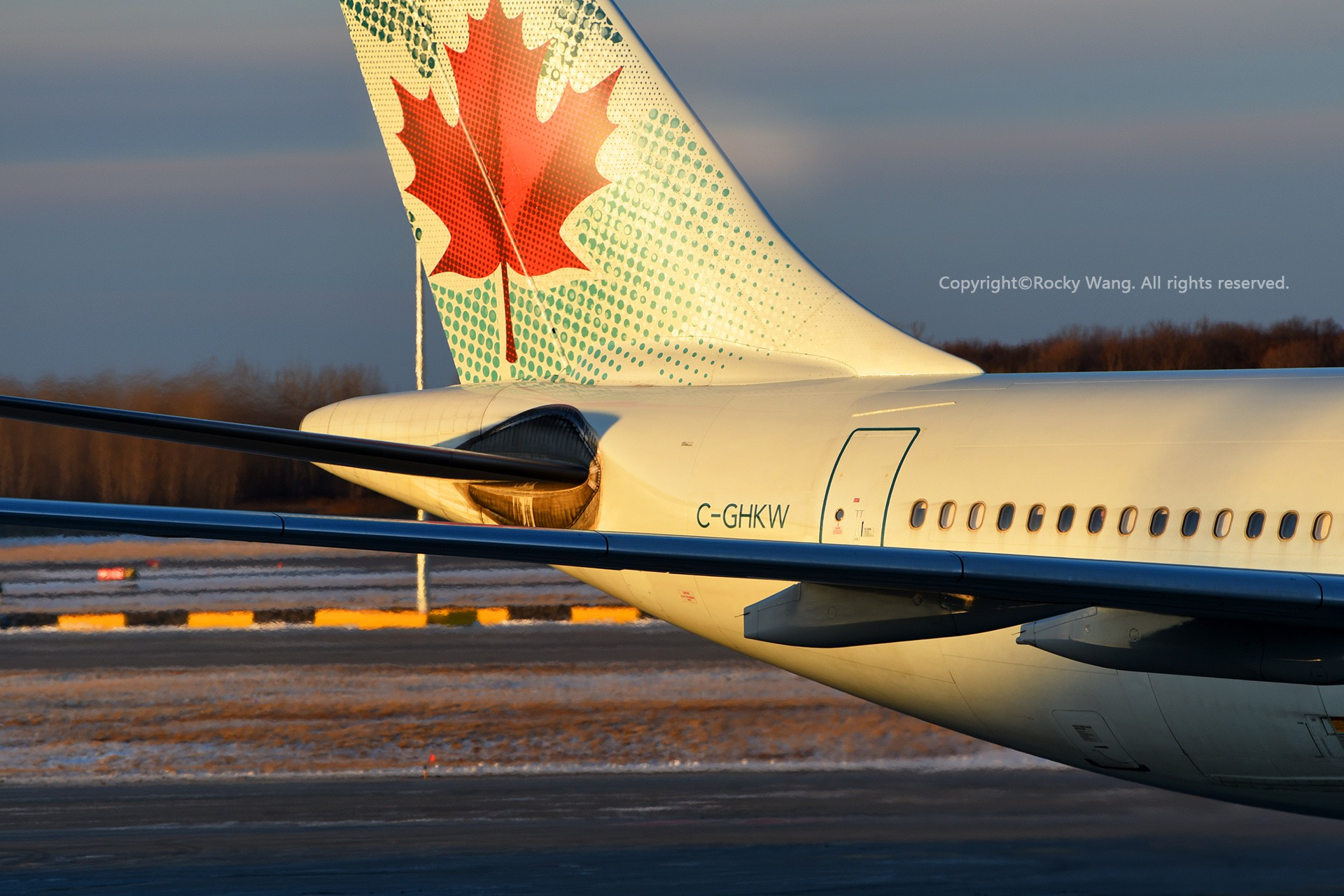Re:[原创]简易版游记,纪念一次30段的环球飞行和一些碎碎念 AIRBUS A330-343 C-GHKW Montreal Pierre Elliott Trudeau Int'l Ai