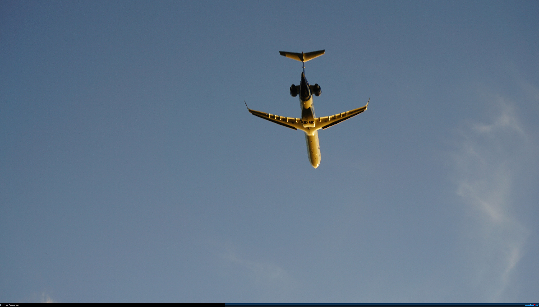 Re:[原创]呼伦贝尔机场夏日午后 BOMBARDIER CRJ900NG B-3380 中国海拉尔东山机场