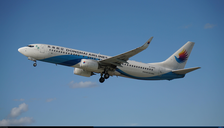 Re:[原创]呼伦贝尔机场夏日午后 BOEING 737-800 B-1590 HLD