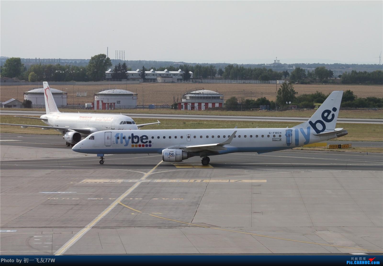 Re:[原创]【多图党】在布拉格机场等飞机时伪装拍机【1600:900】    捷克布拉格机场