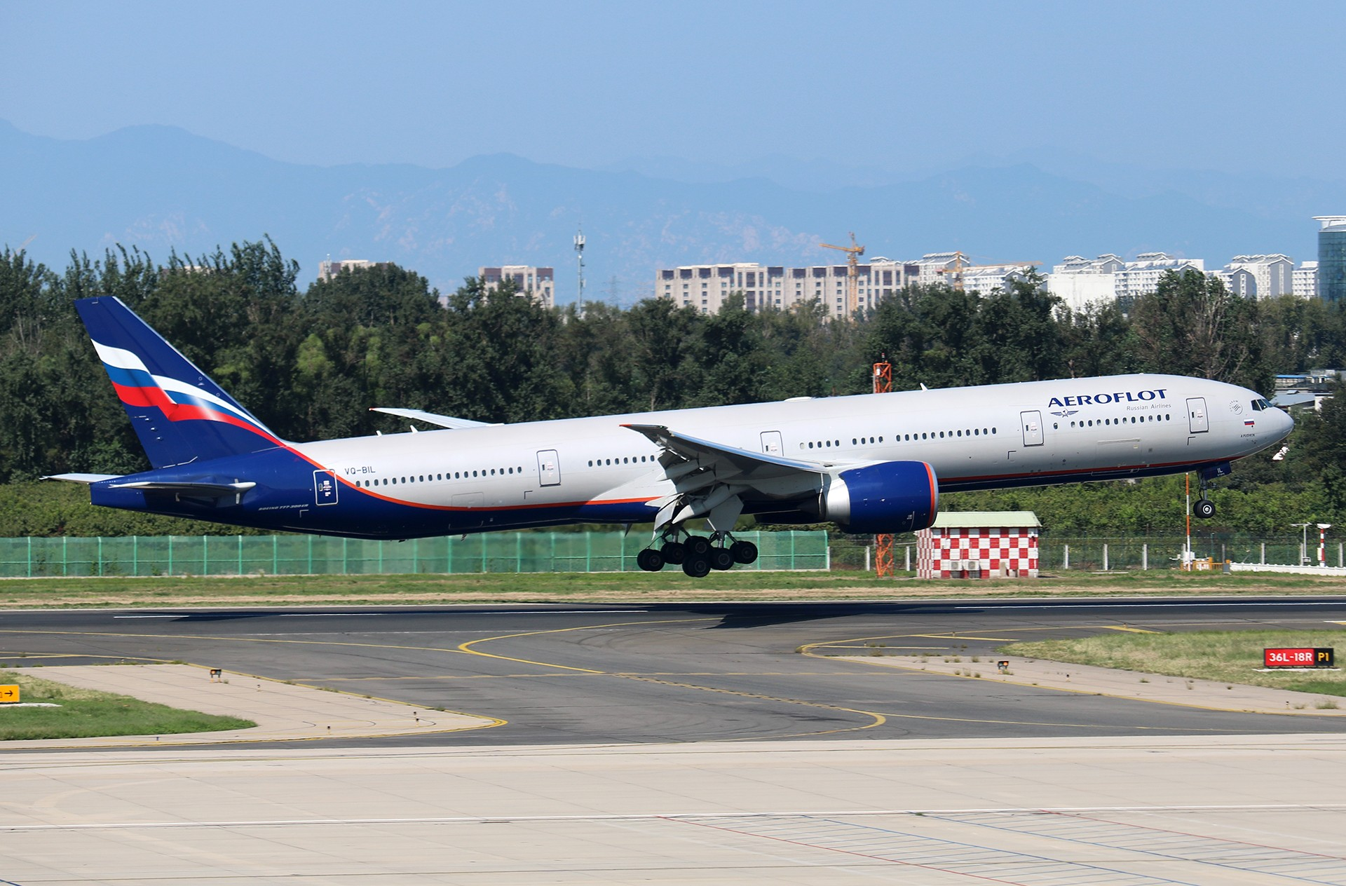 Re:[原创]LIULIU|【PEK】36L降落一组Ⅱ|B家重型机 BOEING 777-300ER VQ-BIL 中国北京首都国际机场