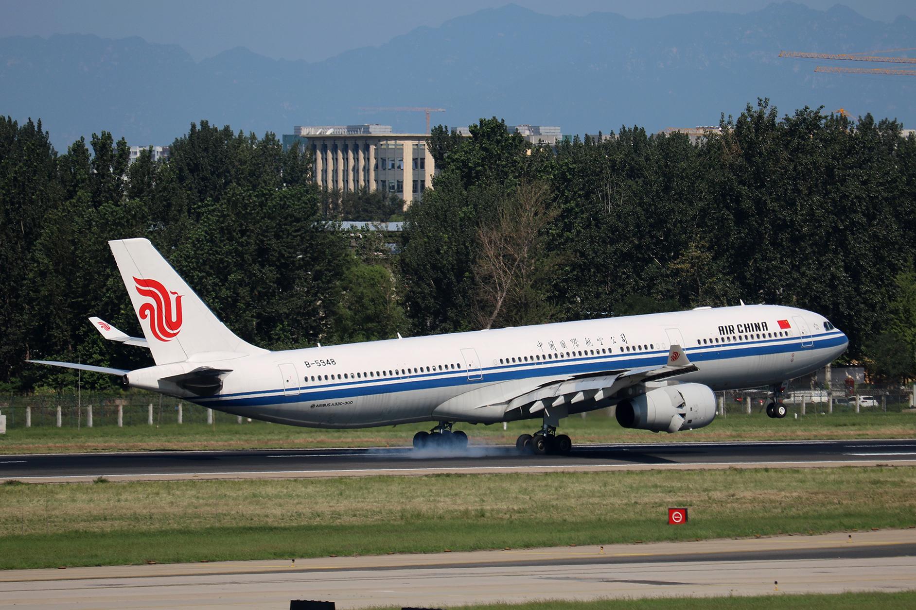Re:[原创]LIULIU|【PEK】36L降落一组Ⅳ|擦烟 AIRBUS A330-300 B-5948 中国北京首都国际机场