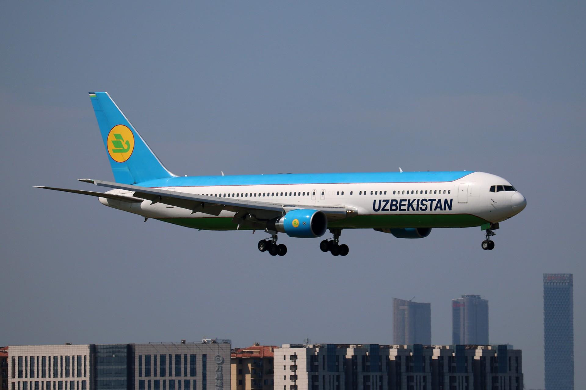 Re:[原创]LIULIU|【PEK】36L降落一组Ⅴ|城市背景下的进近 BOEING 767-300ER UK-67003 中国北京首都国际机场